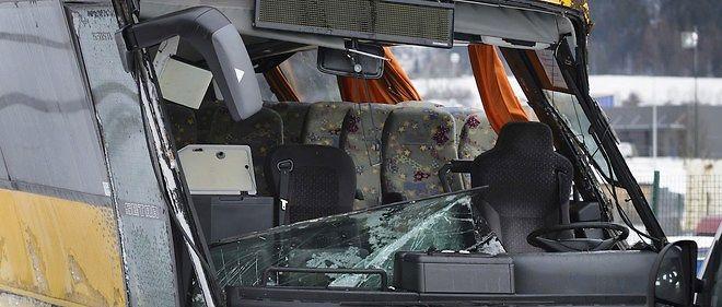 France : trois morts et 28 blessés dans un accident d'autocar