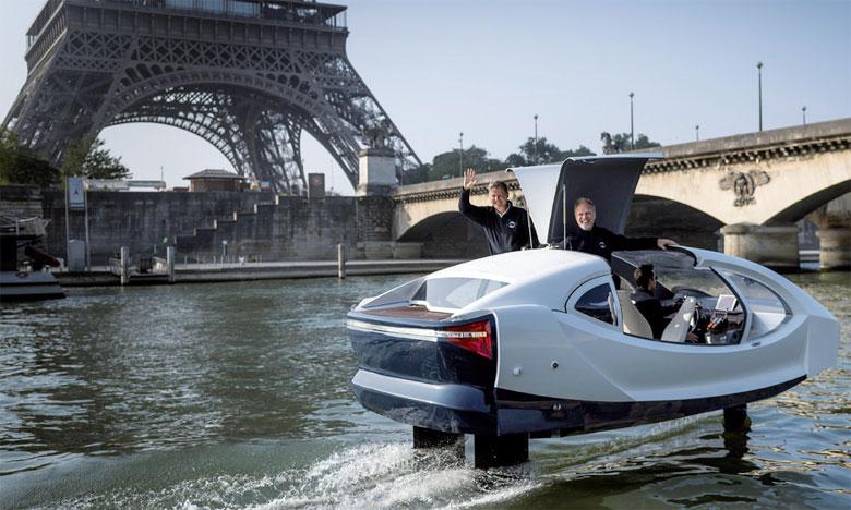 Les Sea Bubbles peuvent fonctionner de 12 à 18km/h, des vitesses de «vol» qui avaient été un point d'achoppement entre inventeurs et autorités. Ph. AFP