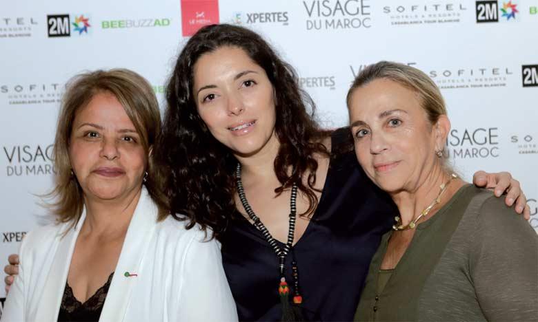 Hind Chaouat, fondatrice de Visage du Maroc, entourée  de Fatema Hal et Maguy Kakon.