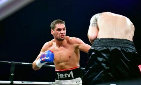 El Mousaoui remporte son combat face à Evchenko
