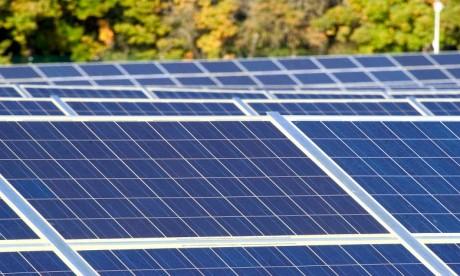 La plus forte baisse , 40%, du prix des panneaux photovoltaïques a été enregistrée en 2011. Ph. Fotolia
