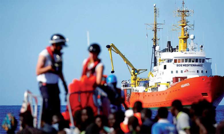 Les 629 migrants à bord de l'Aquarius devront naviguer pendant 4 jours avant d'accoster en Espagne.                                                                             Ph. Reuters