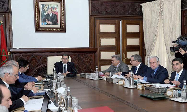 Le Chef du gouvernement salue les initiatives «humaines et audacieuses» de S.M. le Roi au profit du peuple palestinien