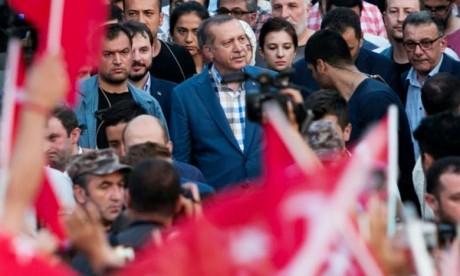 Erdogan remporte les élections avec 53% des voix