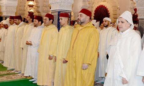 S.M. le Roi, Amir Al-Mouminine, préside à la mosquée Hassan à Rabat une veillée religieuse en commémoration de Laylat Al-Qadr bénie