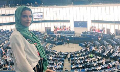 Yasmine Ouirhrane, une jeune maroco-italienne défend l'inclusion des migrants dans les affaires européennes