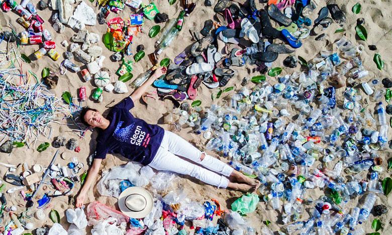 Le Programme des Nations unies pour l'environnement a lancé en 2017 la campagne «Océans propres» qui visait à sensibiliser le public à la protection de nos océans. Ph. Pnue