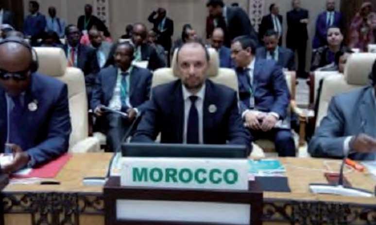 La communauté internationale, dont le Maroc, a opté pour une approche globale et intégrée pour  le règlement des questions sécuritaire et de développement.
