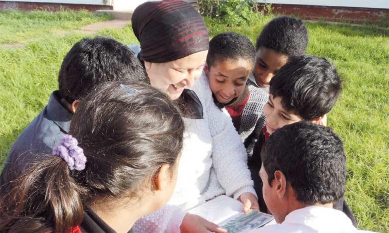 L'action de sensibilisation vise à faciliter l'intégration sociale des enfants à besoins spécifiques et à lutter contre l'exclusion et les injustices dans  le domaine de la santé et de l'éducation.