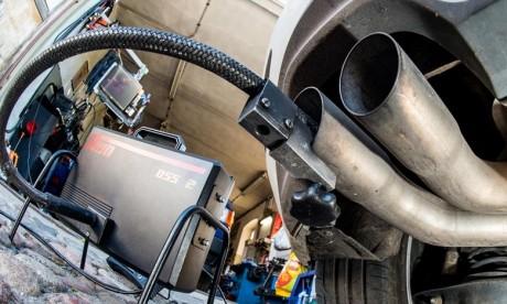 Les véhicules concernés sont équipés de logiciels capables de fausser les niveaux d'émissions sont les fourgons Mercedes Vito et les SUV de ses emblématiques classe GLC et C. Ph : AFP