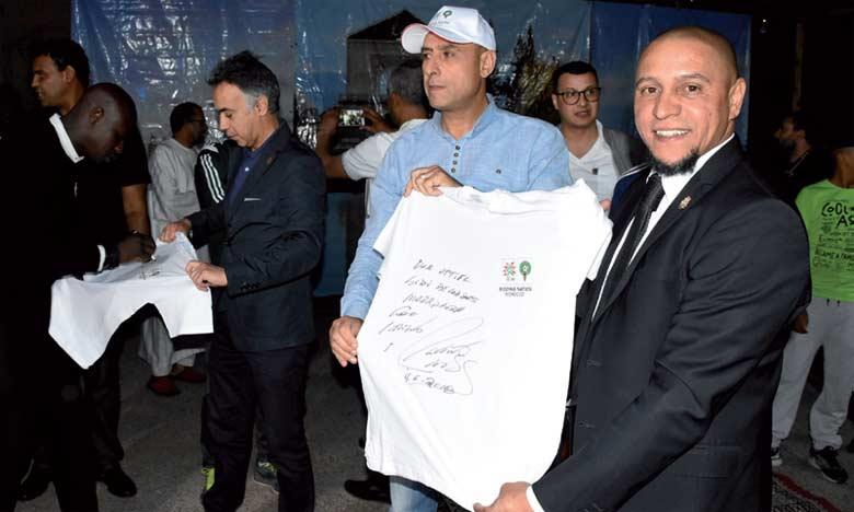 Matthäeus et Roberto Carlos s'improvisent maîtres  jongleurs pour Maroc 2026