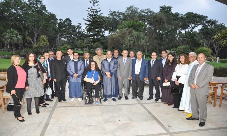 La réunion a été présidée par Mohamed Laâraj, en présence de Neila Tazi, présidente du Comité Ad hoc de la FICC, en charge de la structuration des acteurs du secteur culturel et de Abdelkader Retnani, vice-président dudit Comité. Ph : DR