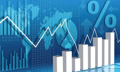 L'État garantit que l'activité économique se déroule dans les conditions de stabilité qui lui sont nécessaires.