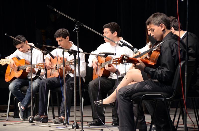 Jeunes musiciens en épreuve