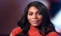 """Serena Williams, testée selon elle plus que les autres, se dit victime de """"discrimination"""""""