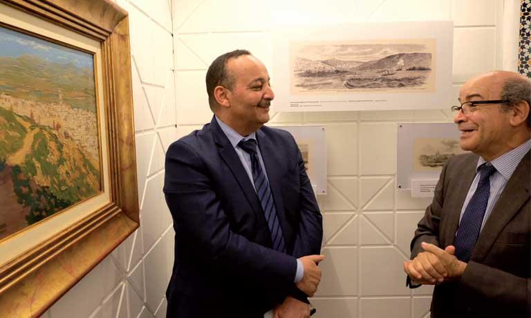 Le ministre de la Culture, Mohamed Laarej, et Jalal El Oddi, fondateur de cet espace.