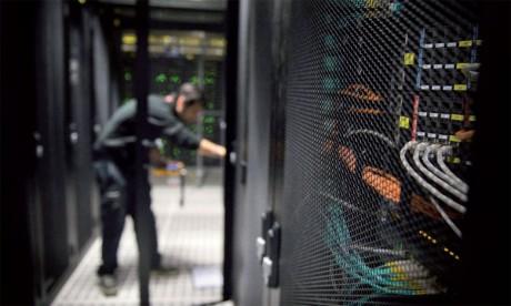 Orange et Europol prévoient, à travers de ce protocole d'accord, d'unir leurs efforts pour la création d'un cyberespace plus sûr plus les citoyens, les entreprises et les gouvernements.            Ph. AFP