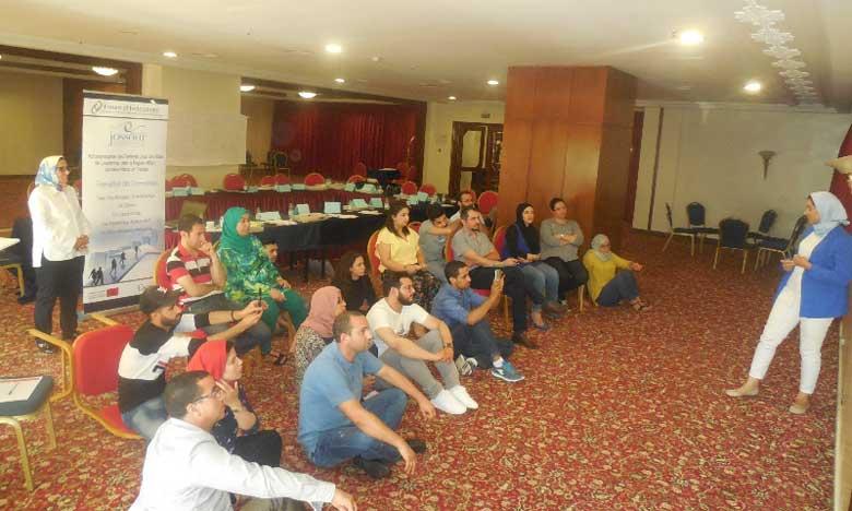 L'association Jossour organise des ateliers de formation