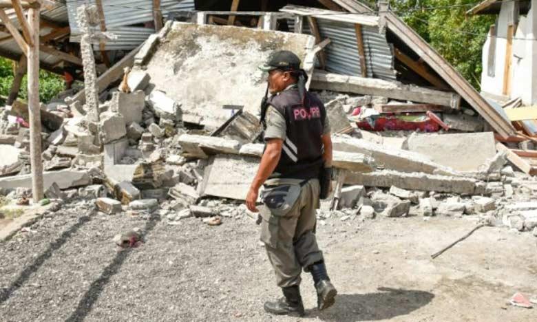 Au moins 14 morts dans un fort séisme dans l'île touristique de Lombok