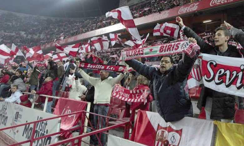Depuis l'annonce du changement apporté à cette édition de la Supercoupe, les supporters sévillans font bloc et soutiennent leur club.
