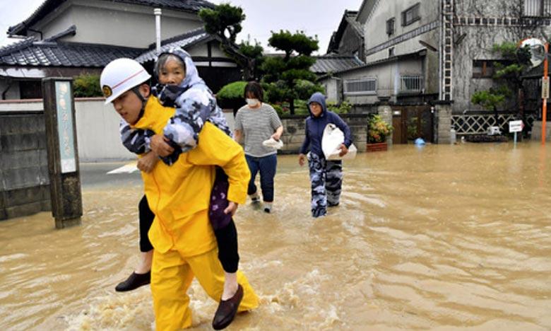 Près de 48.000 policiers, pompiers et membres des Forces d'autodéfense du Japon sont mobilisés pour faire face à ces intempéries. Ici à Kurashiki, au sud-ouest du pays. Ph : DR