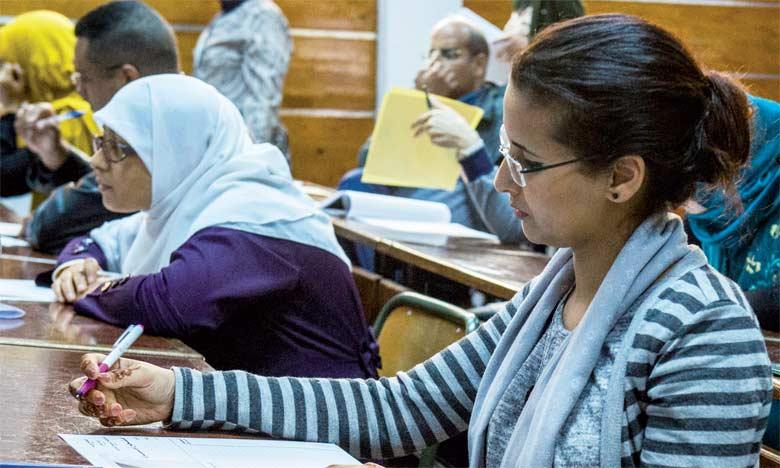 Pas moins de 299 femmes sur un total de 800 candidats ont réussi le concours d'accès à la profession d'adoul au titre de l'année 2018. Ph. AFP