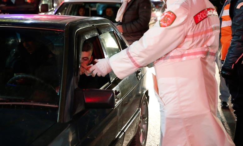 La prévenue, qui n'a pas accepté le contrôle des documents du véhicule qu'elle conduisait, a adressé des invectives aux policiers déployés sur la route d'Azemmour. Ph : MAP
