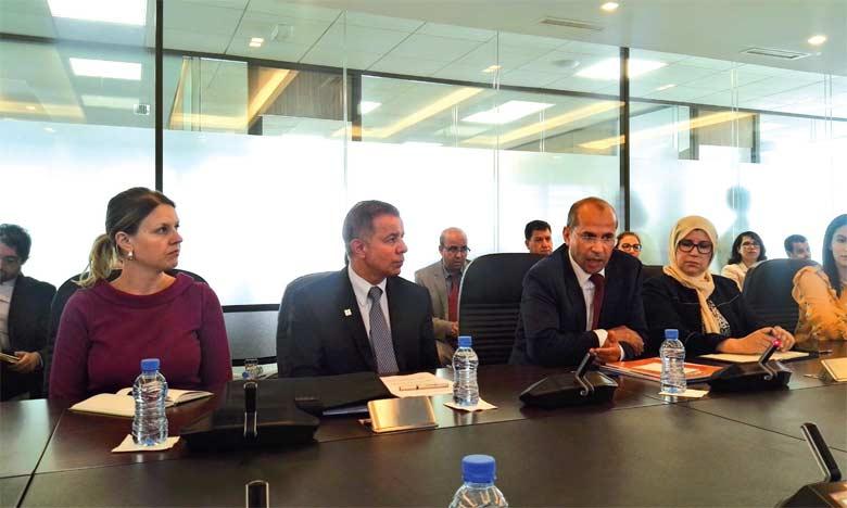 Abdelghni Lakhdar, le directeur général de l'Agence Millennium Challenge Account-Morocco lors du point de presse à Rabat