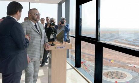 S.M. le Roi Mohammed VI avait procédé, le 1er avril 2017, au lancement des travaux de réalisation de la Centrale Noor Ouarzazate IV, ultime étape du plus grand complexe énergétique solaire au Monde. Ph. MAP
