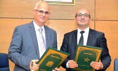 Barid Al-Maghrib et l'Ordre national  des ingénieurs géomètres-topographes signent une convention de partenariat
