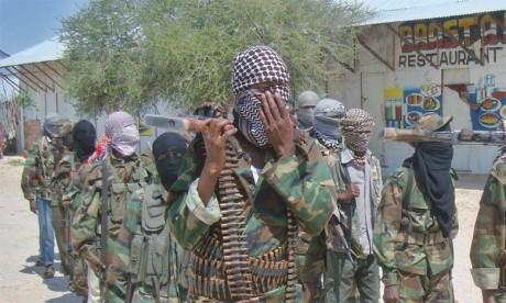 Les shebab attaquent une base  militaire tuant plusieurs personnes