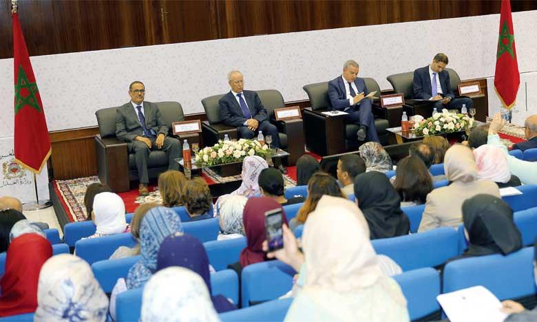 Le ministère de la Justice célèbre l'accès de la femme pour la première fois à la profession d'adoul