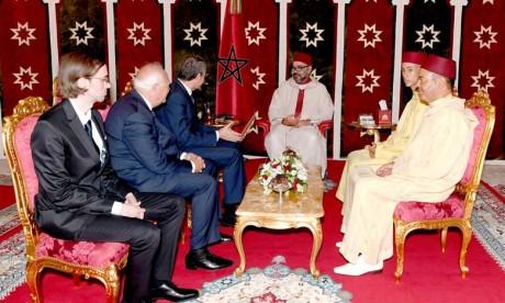 S.M. le Roi reçoit à Tanger MM. José Luis Rodriguez Zapatero et Miguel Angel Moratinos