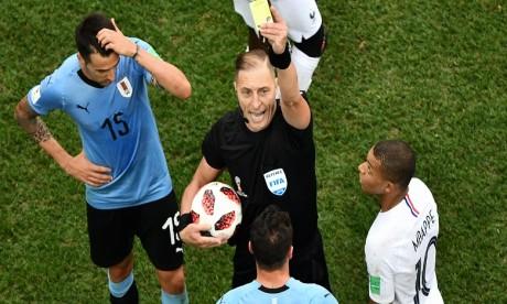 L'Argentin Néstor Pitana au sifflet pour la finale France-Croatie