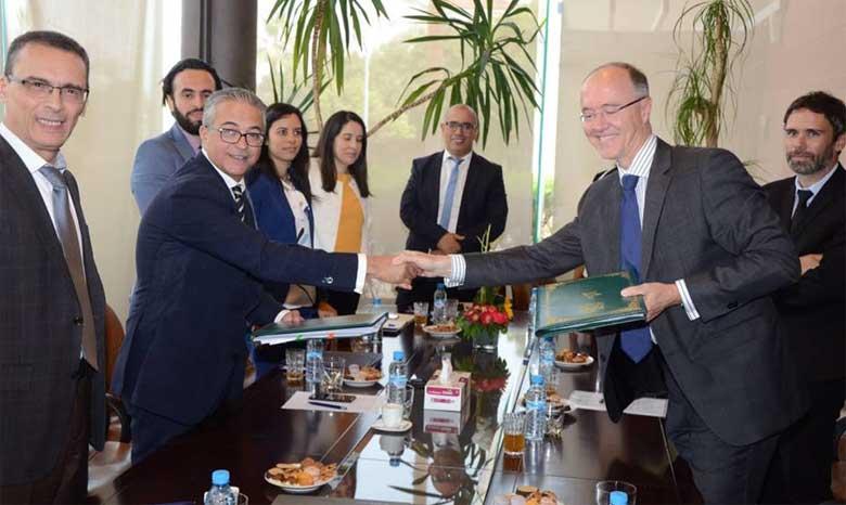 L'AFD prête 100 millions d'euros au FEC pour accélérer le financement de projets locaux de croissance durable