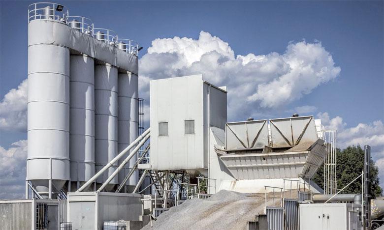Pour chaque tonne de ciment produite, le procédé libère dans l'atmosphère environ une tonne de dioxyde de  carbone.                                                                                                                                                                                                         Ph. DR