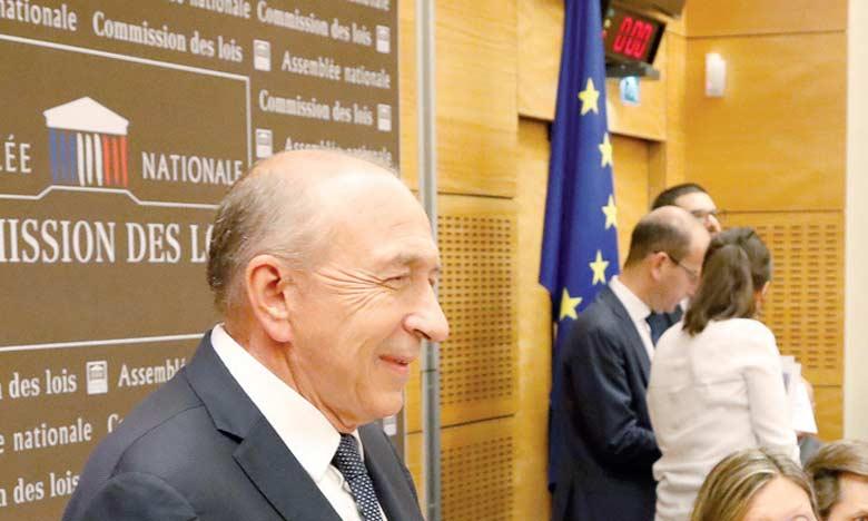 Le ministre français de l'Intérieur Gérard Collomb se présentant à une audition lundi 23 juillet2018 dans le cadre de l'affaire Benalla. Ph. AFP