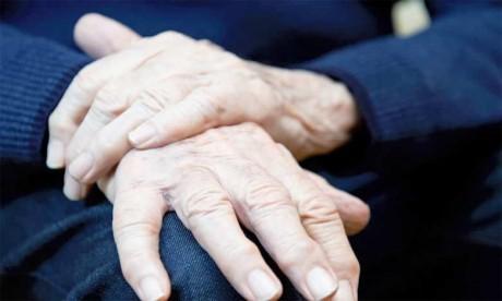 Maladie de Parkinson : Premier essai sur l'homme d'un traitement par cellules souches