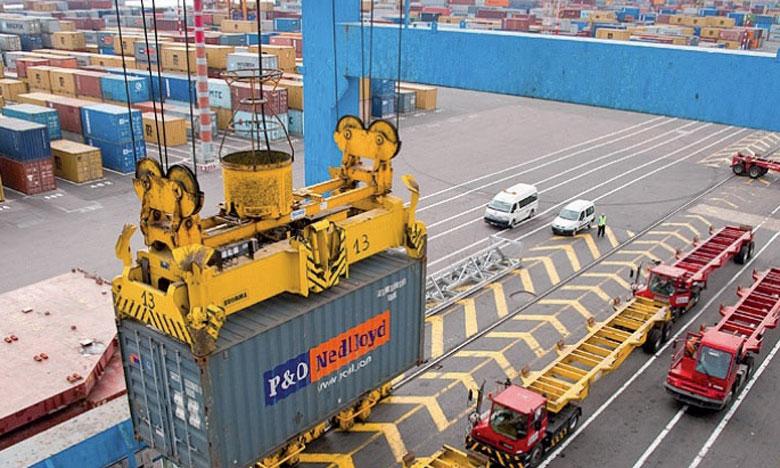 L'élaboration de la stratégie portuaire s'est basée sur des hypothèses liées à l'évolution des grandes masses de trafics qui auront un véritable impact sur la conception et le dimensionnement futur des ports.