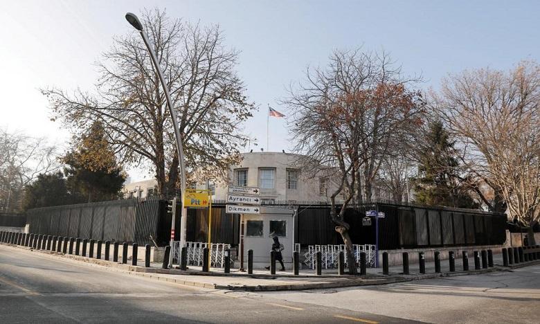 Plusieurs tirs, effectués depuis un véhicule, ont visé l'ambassade des Etats-Unis en Turquie. Seuls des dégâts matériels sont à déplorer. Ph : DR