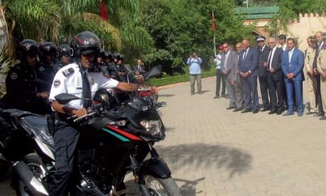 Remise d'un lot de véhicules  médicalisés et de motocycles de police