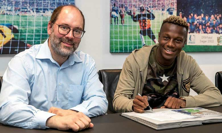 Hamza Mendyl officiellement au Schalke 04