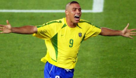 L'ancien international brésilien Ronaldo hospitalisé pour une pneumonie
