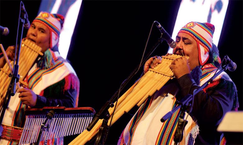 La troupe chilienne «Hermanos Tuna» a interprété un florilège de la musique latino-américaine  des cimes.
