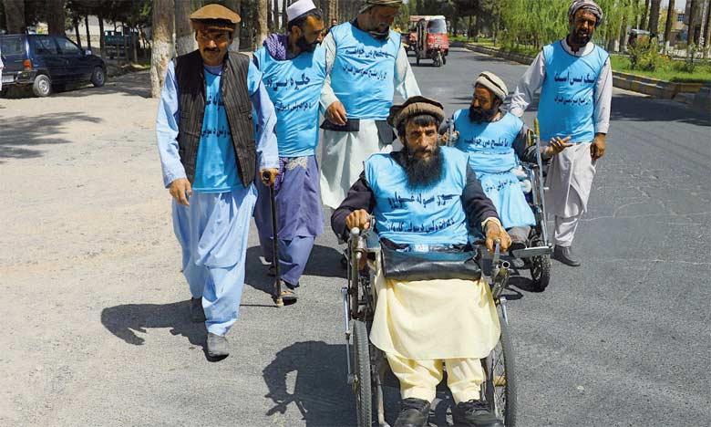 La marche des amputés intervient quelques semaines après une marche similaire de manifestants pour la paix, qui avaient parcouru à pied quelque 700km entre Lashkar Gah et Kaboul. Ph. AFP