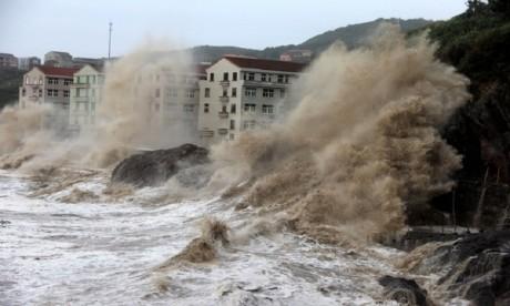 Un typhon fait trois morts en Chine