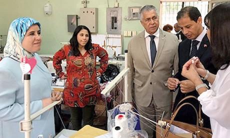 Jamila El Moussalli visite à Saint-Domingue une coopérative et des projets d'artisanat