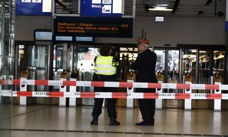 Attaque au couteau à la gare d'Amsterdam