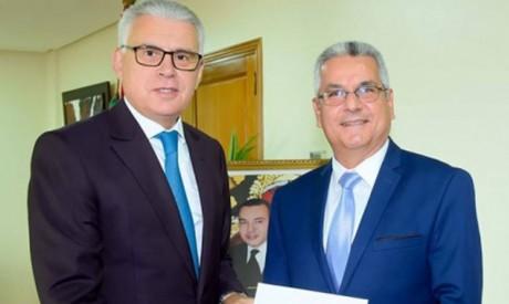 L'ambassadeur de Cuba au Maroc remet une copie figurée de ses lettres de créance à Nasser Bourita