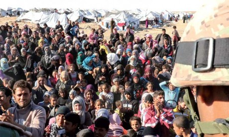 Combats entre l'armée et Daech dans le désert, création d'un comité pour le retour des réfugiés